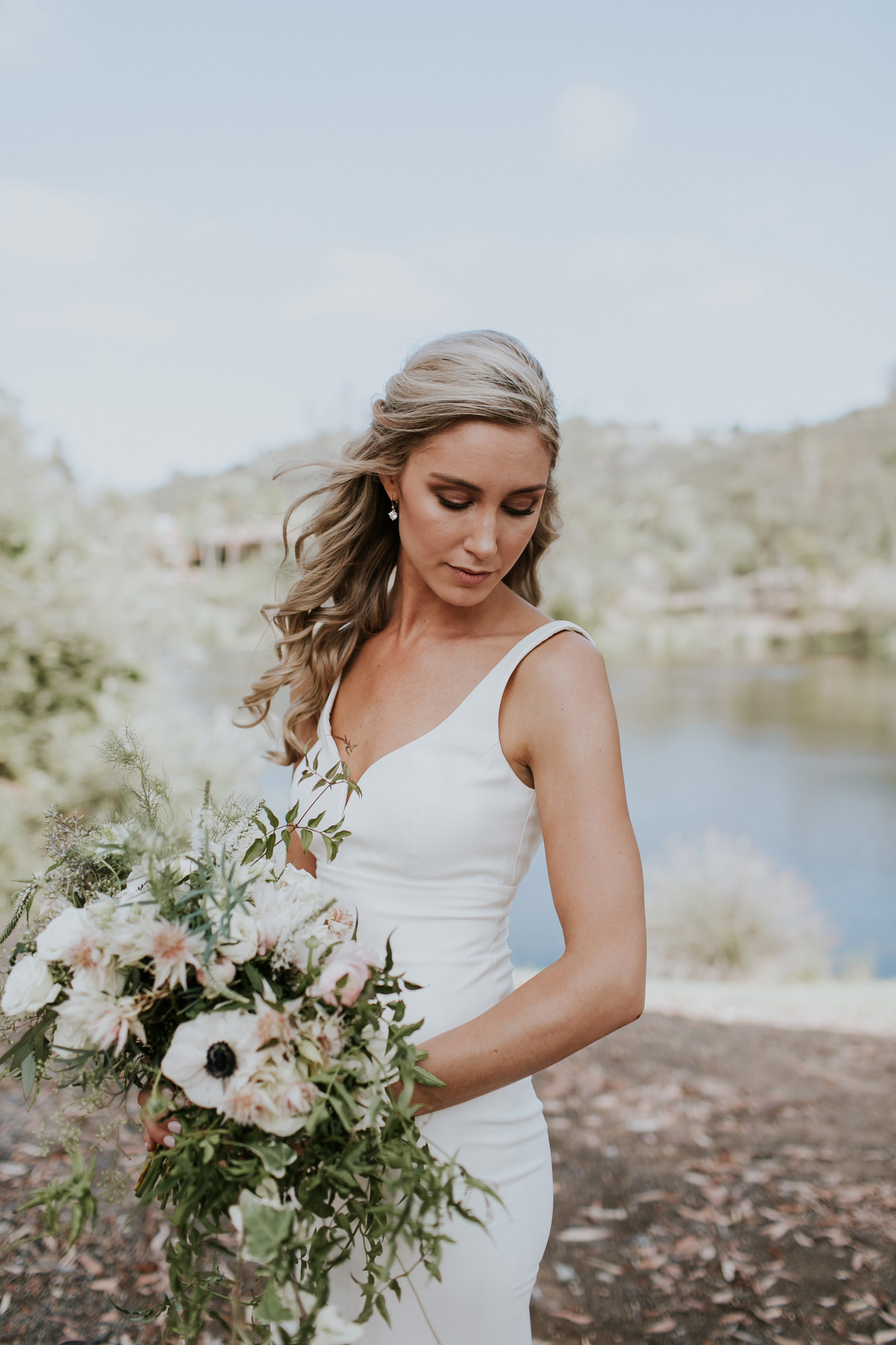 Modern bride with cascading bouquet